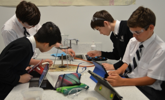 science_class_experiment (2)