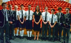 Rachel Botsman posses for a group photo with students at her Centre for Ethics Lecture